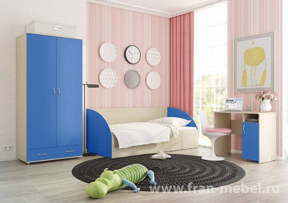 Детская Ларс (Умка) синийСиний<br>Эксклюзивный набор мебели для детской по очень доступной цене. Выполняется из экологически чистой плиты ЛДСП австрийского производства.<br>Привлекает своей жизнерадостной расцветкой!<br>Цвет корпуса - ясень шимо светлый, цвет фасадов - синий.<br><br>Скидка: 54%